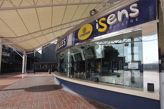 Taquilles entrada Cinesa Parc Vallès