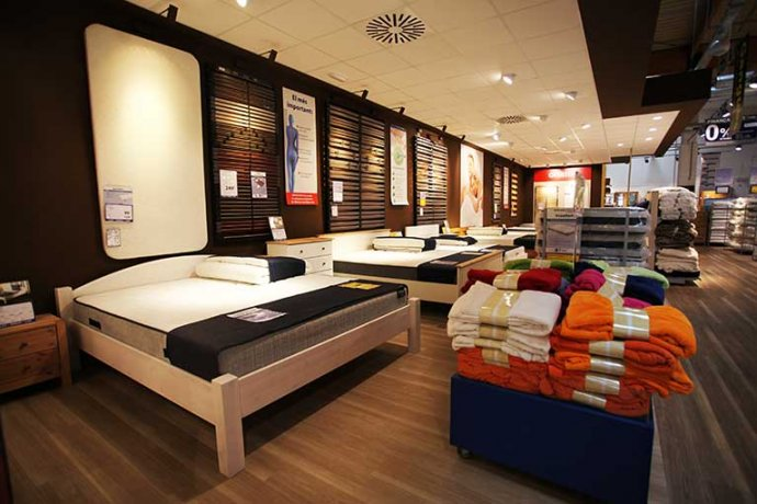 Botiga interior JYSK seccio llits