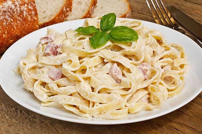Pasta a la carbonara La Tagliatella