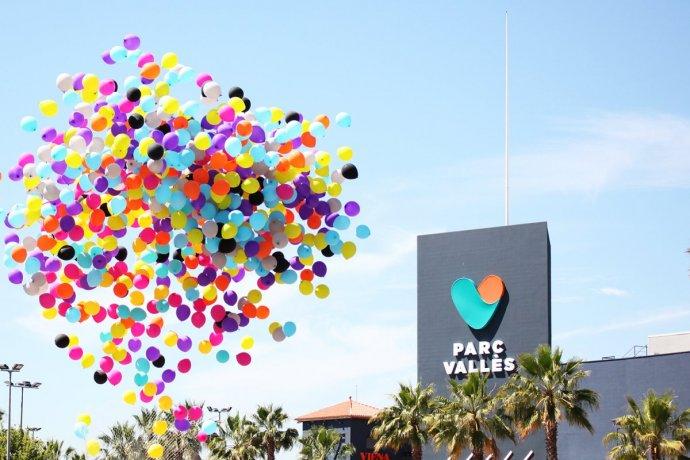 Un cielo lleno de colores con la inauguración de Parc Vallès